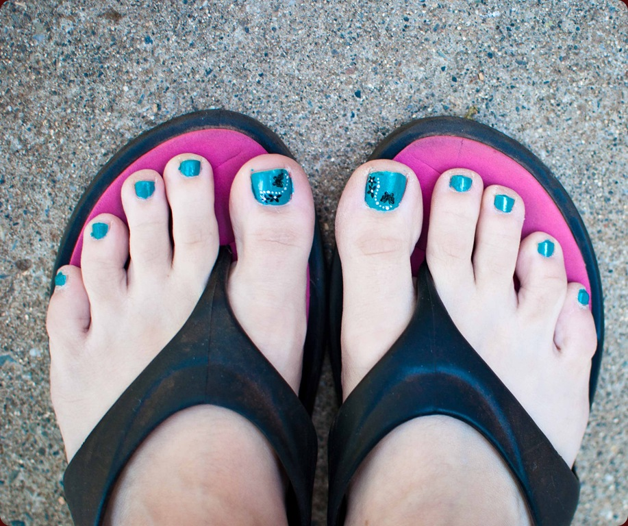 teal for me toes-1