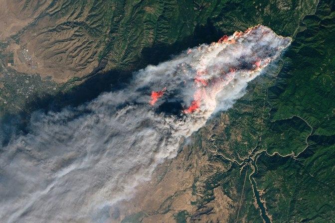 1200px-Camp_Fire_oli_2018312_Landsat